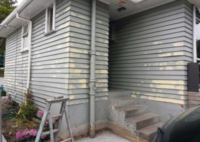 Preparations-for-new-paint-of-west-auckland-swanson-home